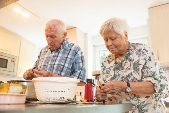 Hausarbeiten in der Demenz-WG